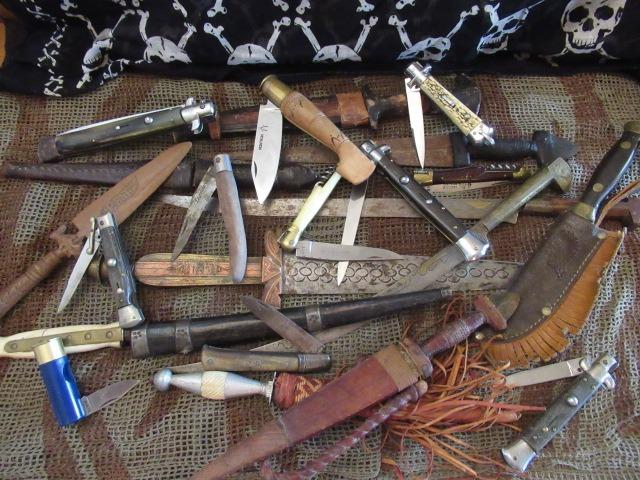Collection couteaux du monde entier